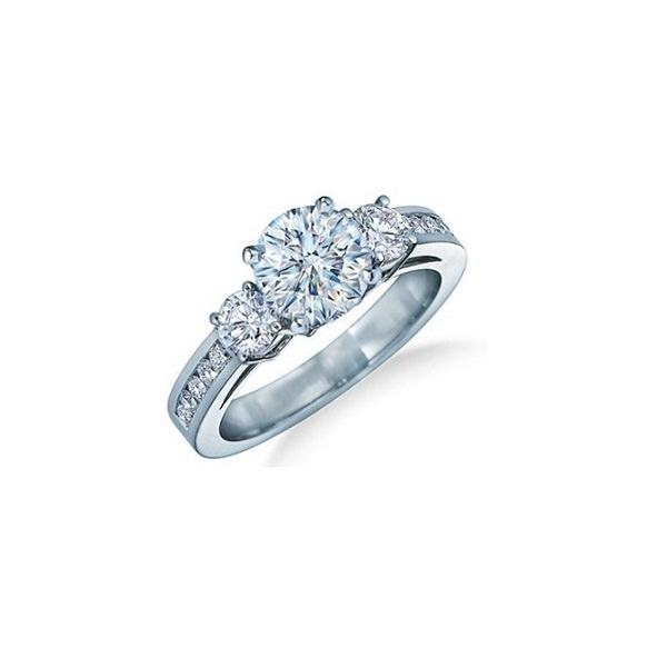 Идеальное помолвочное кольцо из белого золота с бриллиантами - d-vita.ru f9cbaec2f4562